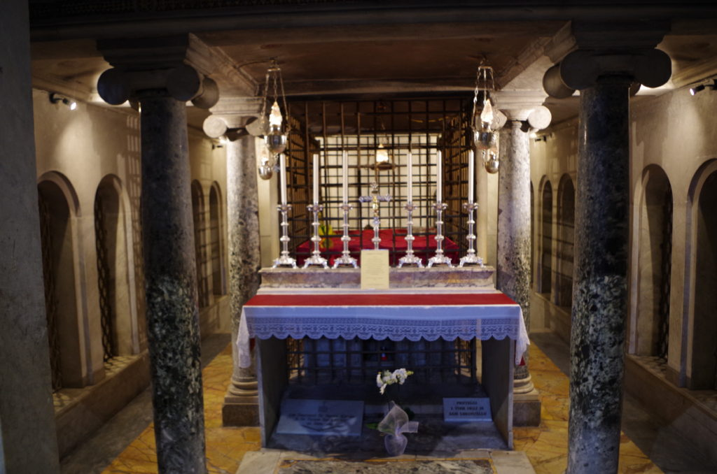 Tombs with relics of St. Stephen and St Lawrence