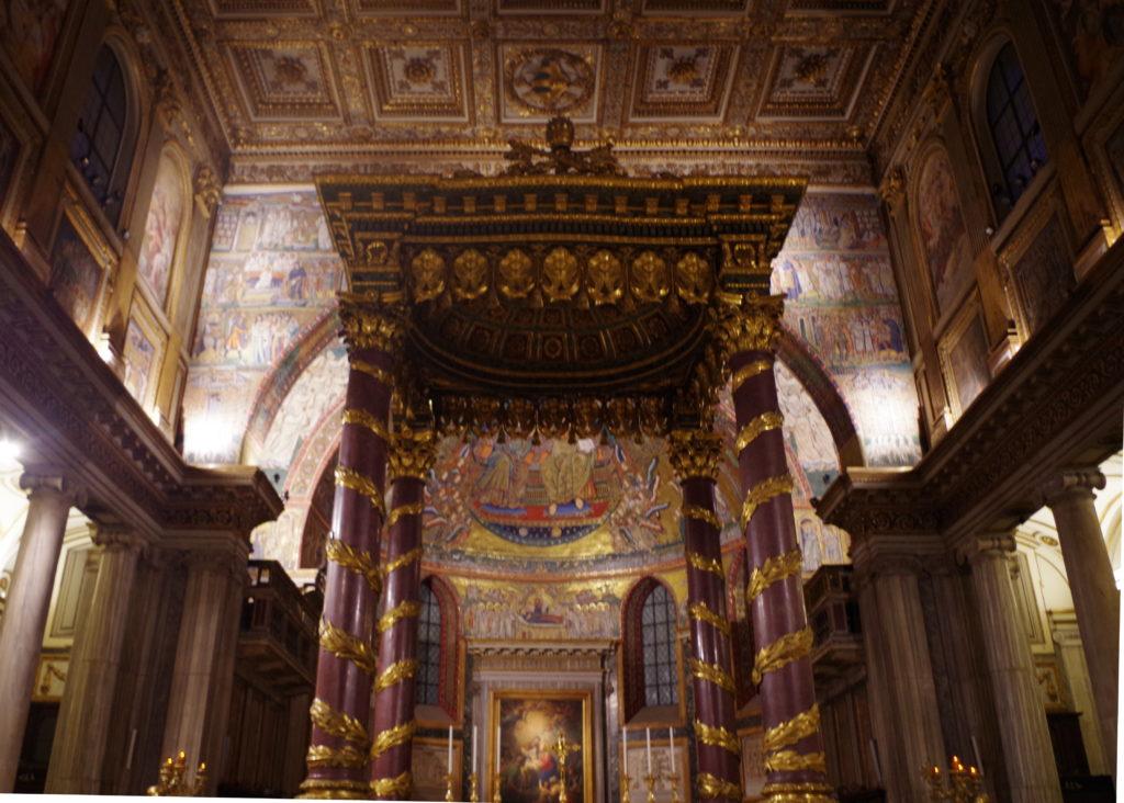 The altar with Canopy of Saint Mary Major